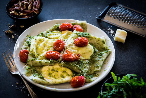 goat cheese ravioli with arugula pesto