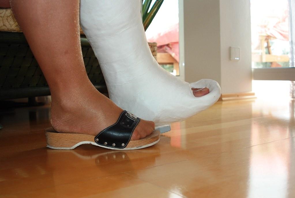 ... toeplate u0026 wooden sandal | by castu0027n_heels