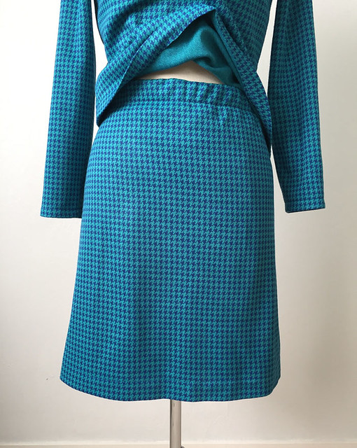 skirt waist green check outfit
