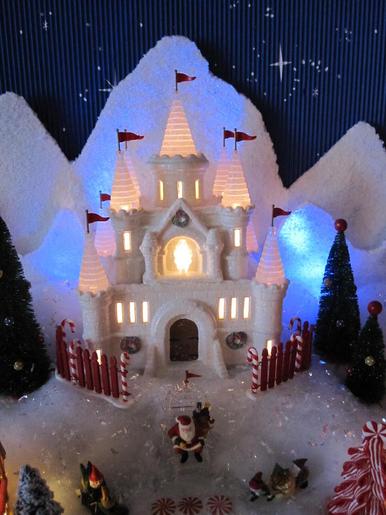 Dept 56 North Pole Christmas Village-Santa\'s Ice Castle/Pa… | Flickr