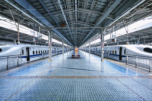 20170331_07_新大阪駅と新幹線
