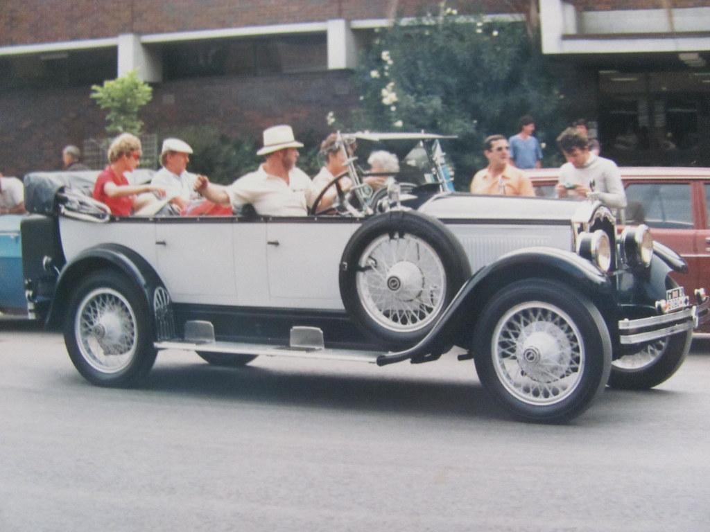 Brisbane start Bicentennial Rally 1988 | Buick | Classic Cars ...
