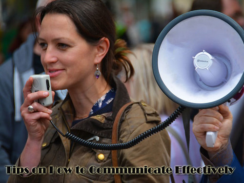 Tips-on-How-to-Communicate-Effectively-in-business-meeting