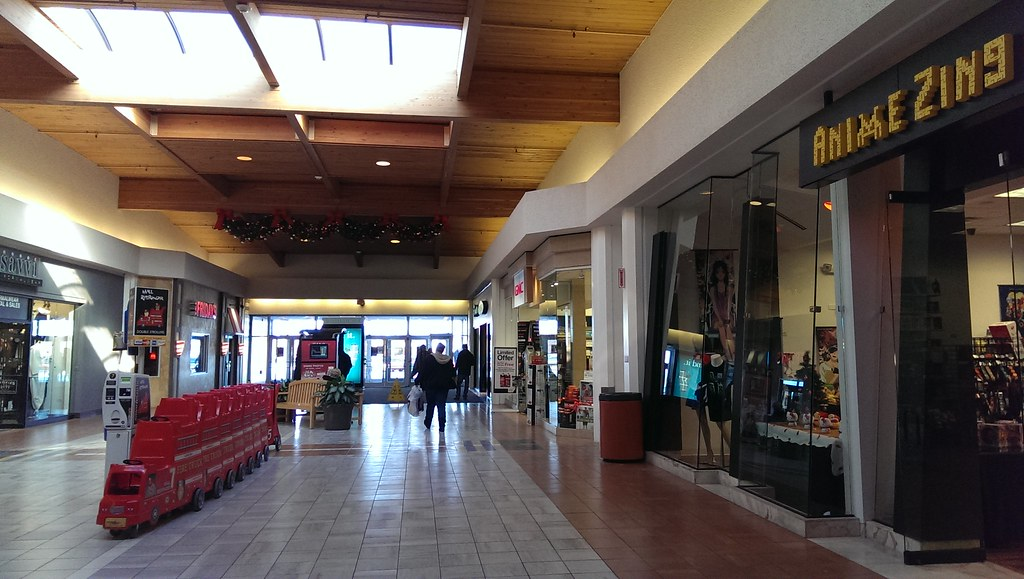Louis Joliet Mall