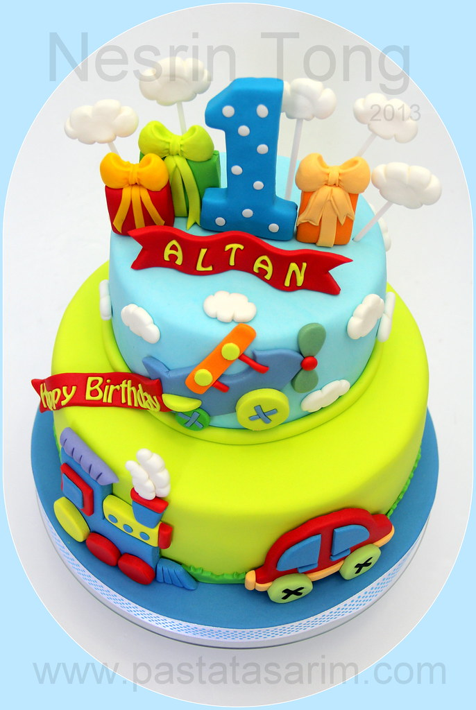 cartrain and plain 1st birthday cake CAKE BY NESRN TONG Flickr