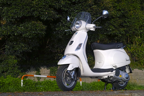 20131007_01_Piaggio Vespa LX125 3V | by foxfoto_archives