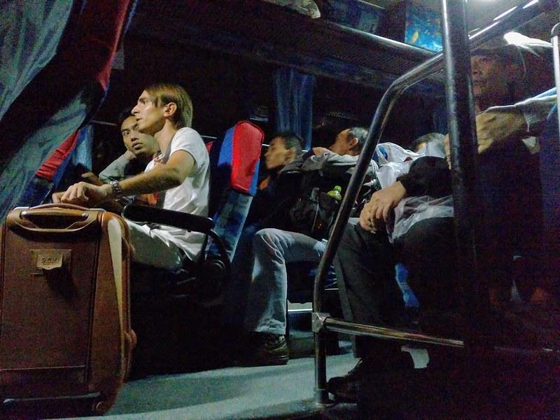 Bis Damri dari Banyuwangi ke Denpasar