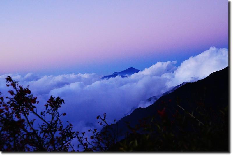北大武山登山步道3.8K光明頂北眺大母母山 2