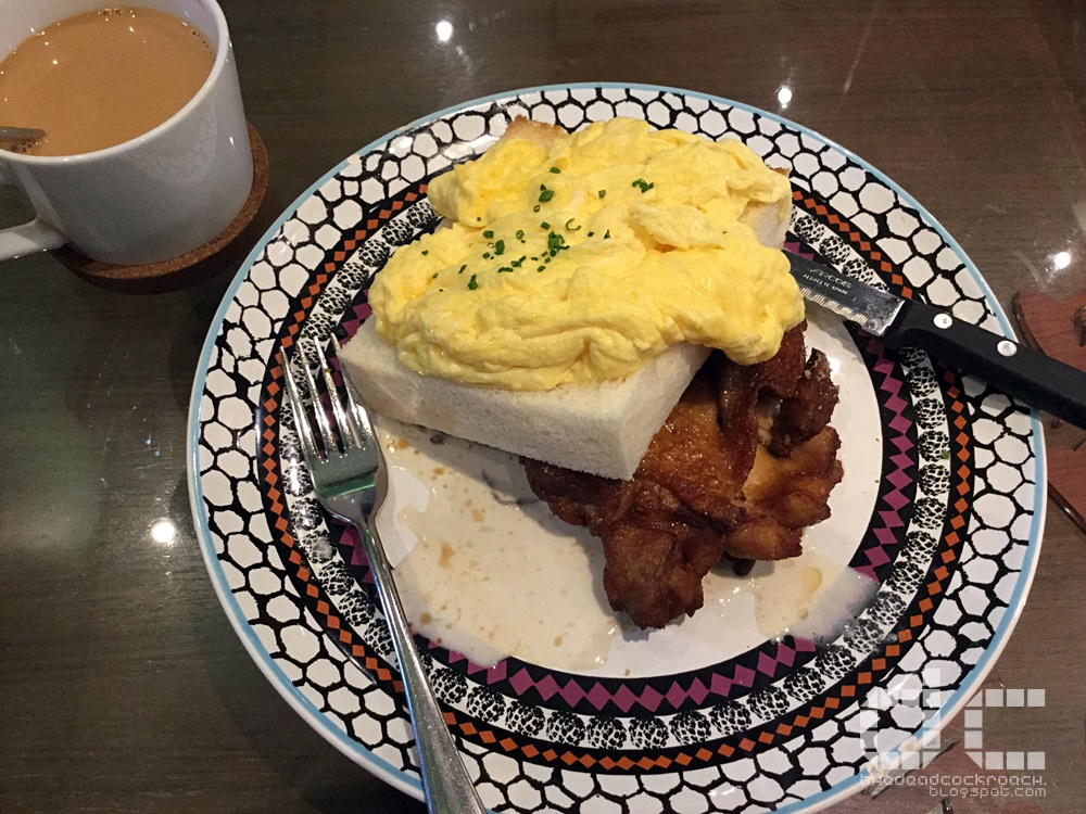 scrambled egg toast stack with chicken chop, food, food review, holland village, hong kong, review, singapore, tai cheong bakery,cha chaan teng, 泰昌饼家,泰昌,饼家