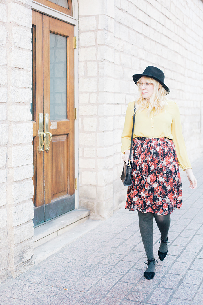 austin fashion blogger floral midi skirt winter outfit10