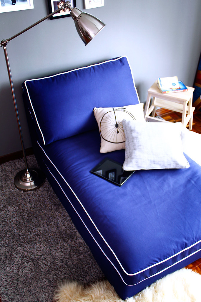 kivik chaise lounge KK5 Gaia Navy with contrast piping sof…