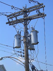 Utility Pole Transformers | A 'transformer bank' on a utilit… | Flickr