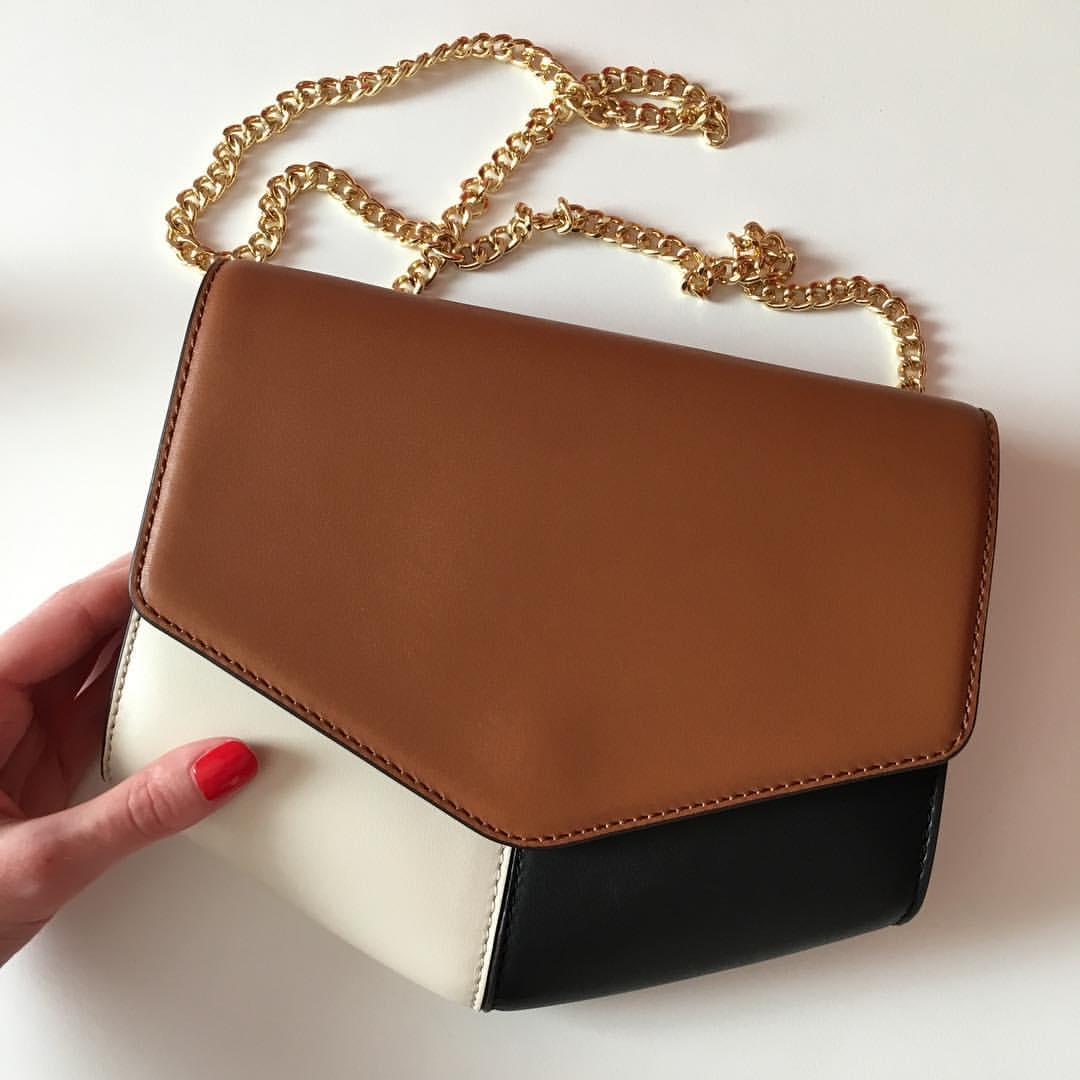 A perfect summer handbag // Купила вчера идеальную летнюю сумку, которая идеально подойдет к любимым коньячного цвета босоножкам. Лето, приходи!