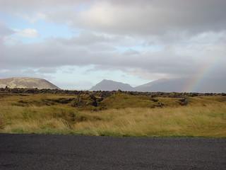 005 Regenboog bij hotel Búðir