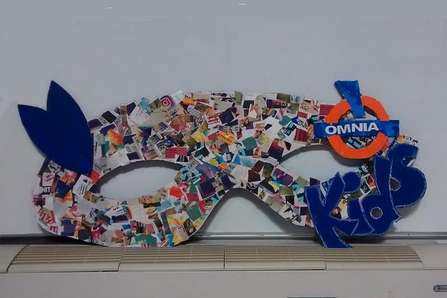 Els ÒmniaKids de La Seu fan una màscara per la rua de Carnestoltes