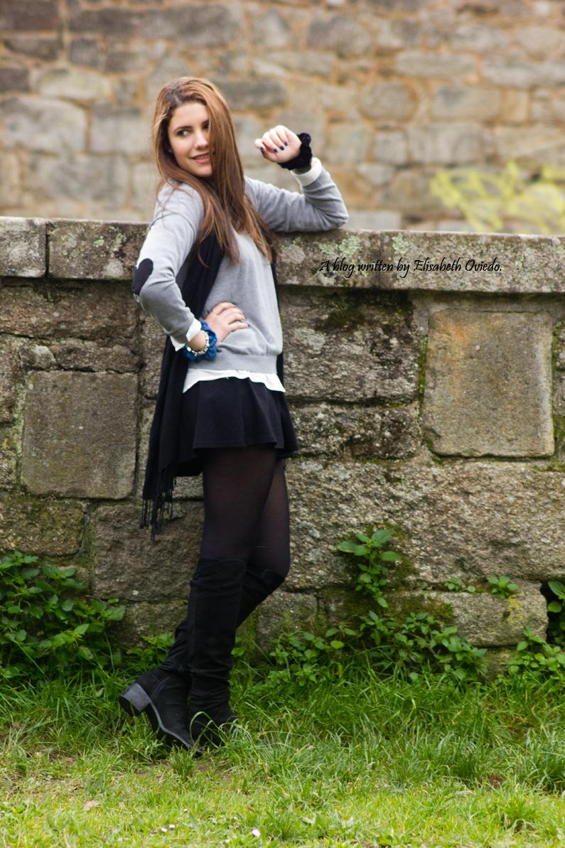 HEELSANDROSES Elisabeth Oviedo LBD con jersey coderas corazones botas altas stradivarius  (8)