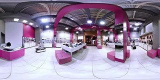 Advertising & marketing photography - 360 degrees virtual tour of shoe store