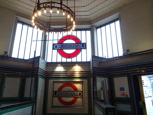 46g - Two roundels at Tooting Bec