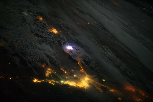 Lightning from space and red sprites at night nasa inte for Space station 13 3d