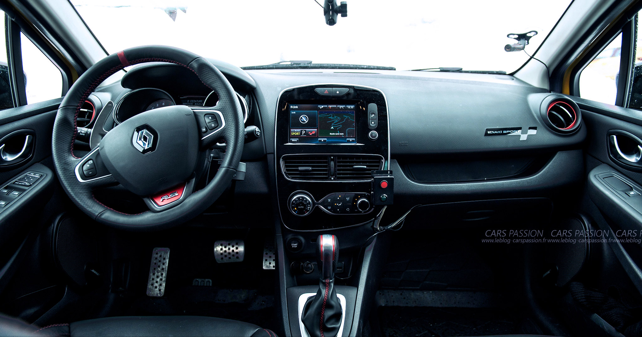 icedriving-renault-sport-clio-rs-trophy (10)