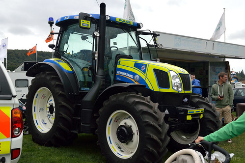 derbyshire police tractor chatsworth country fair sunday flickr. Black Bedroom Furniture Sets. Home Design Ideas