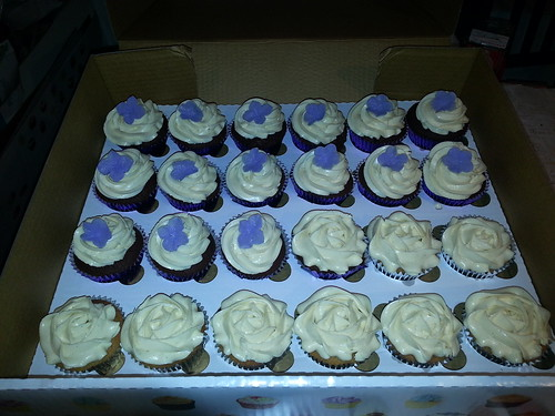 Purple / silver pipped cupcakes | by platypus1974