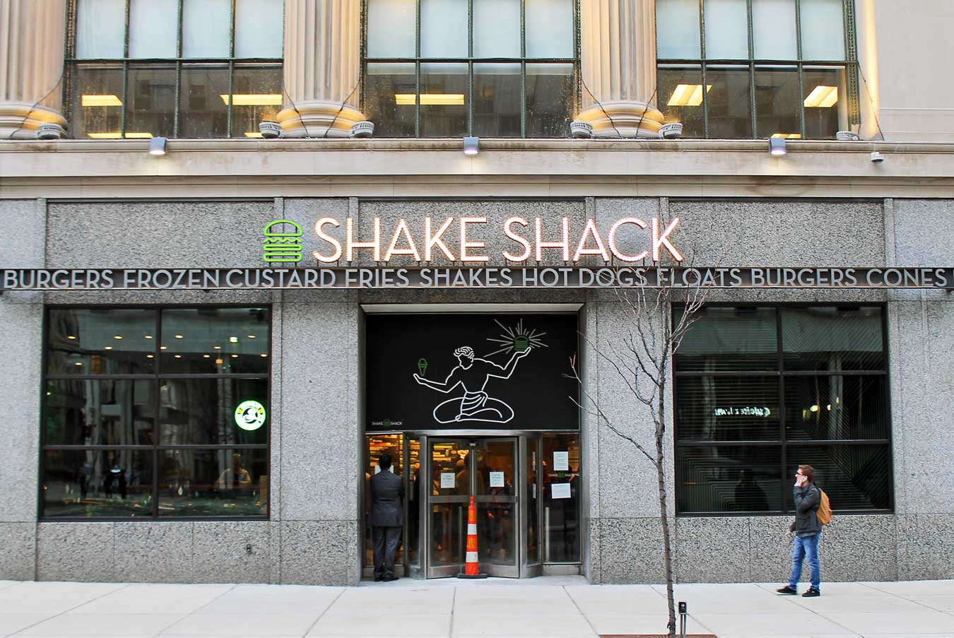 Shake Shack Detroit Might Be Your New Favorite Burger Spot /// - From sandwiches, fries, and shakes to local flavors and an awesome location, learn why long-time fans and newbies alike are sure to love the new Shake Shack in Downtown Detroit, Michigan. /// via Wading in Big Shoes