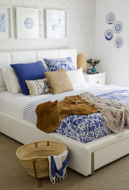 Blue and White Bedroom Decor Inspiration | Blue and White Floral Patterned Bedspread