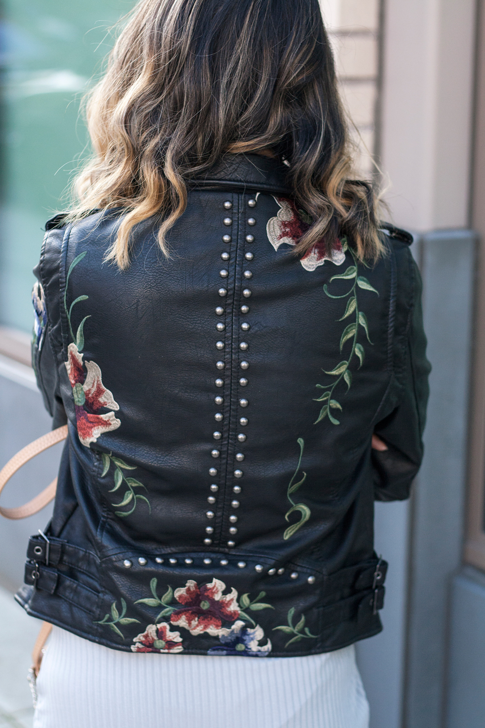 08-floral-studs-leatherjacket-travel-fashion-style