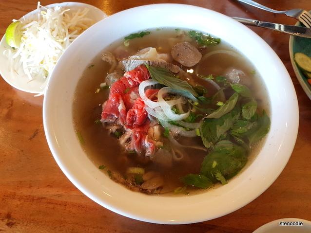 Nam Vietnamese Restaurant pho