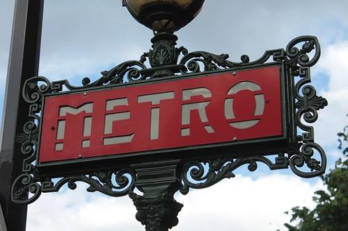 Insegna Metro