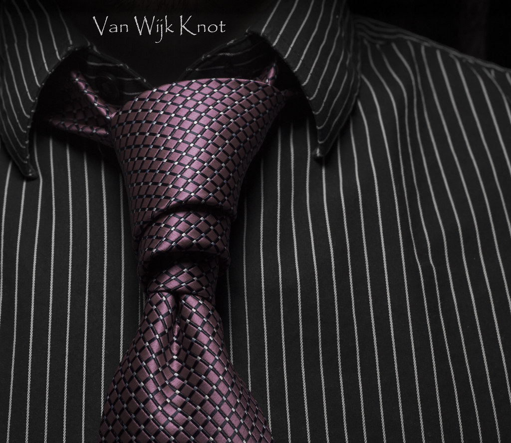 Van Wijk Tie Knot Trinity Diagram How To A Necktie Shirt One Of The Sleekest Sexiest Flickr 1024x887