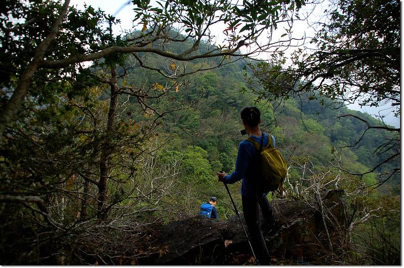 朗吾呂山1500山頭望基點峰 1
