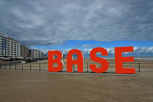 Base | by Roel Wijnants