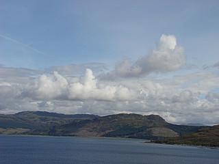 079 uitzichtpunt vlakbij de brug naar Skye