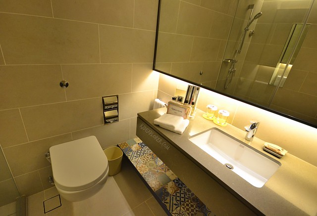 hotel jen penang club deluxe room bathroom