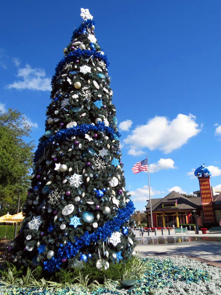 downtown disney christmas tree by meeko_ - Downtown Disney Christmas