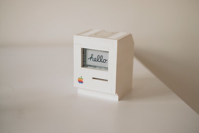 LEGO Macintosh classic with Wi-Fi and e‑paper display