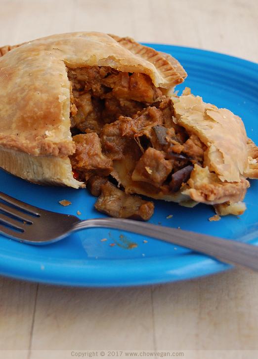 Vegan Tempeh Pot Pie | Chow Vegan