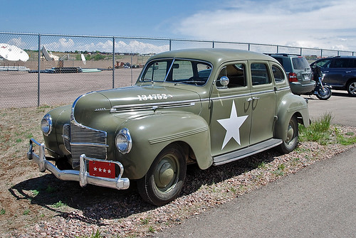 U s army staff car 1940 dodge deluxe 4 door sedan u s for 1940 dodge 4 door sedan