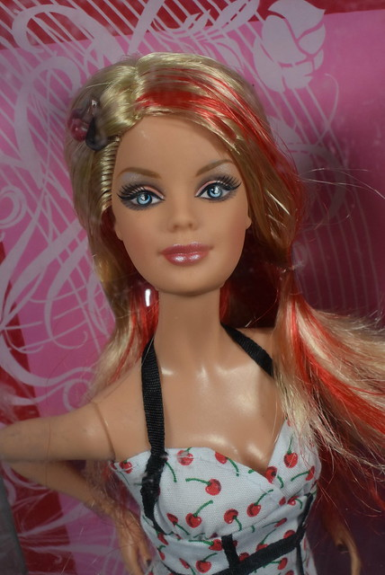 2007 Barbie Top Model Hair Wear Barbie M5794 (1)