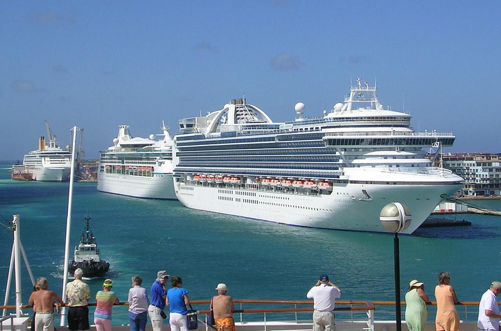 Aruba Three Cruise Ships Three Cruise Ships Carrying A T Flickr - Cruise ships in aruba