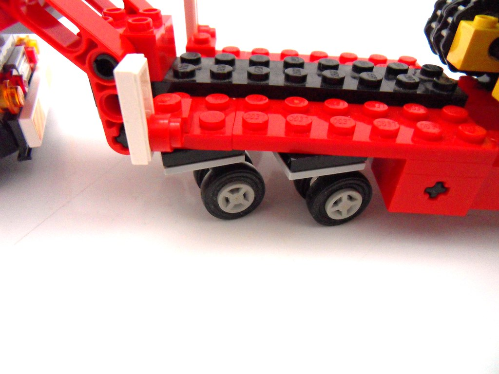 Camera Lego Driver : Lego pile driver tested with pivoting wheels on trailer lu flickr