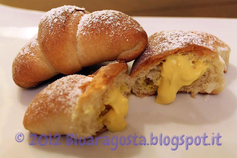 02-croissant con crema di ricotta allo zafferano