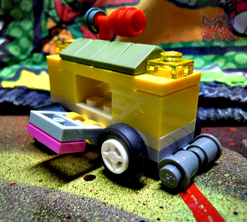 "LEGO TEENAGE MUTANT NINJA TURTLES :: ""Mikey's Mini-Shellraiser"" ix (( 2014 ))"