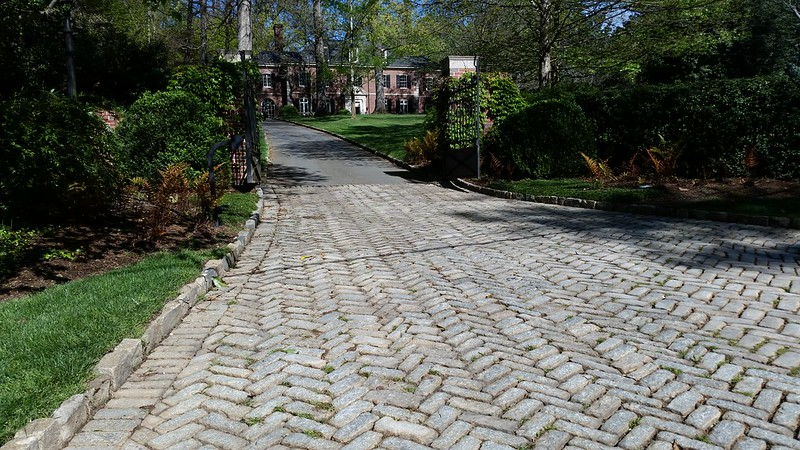20170408_103551 2017-04-08 Neel Reid 2922 West Andrews classic Georgian cobble driveway apron