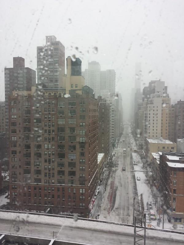 Один день в заснеженнном Нью Йорке