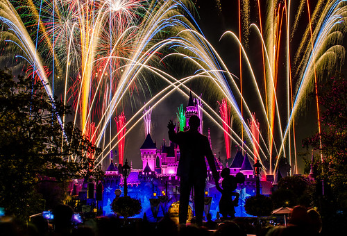 Disneyland - Remember... Dreams Come True! Fireworks (76 Second Exposure) | by Tom.Bricker