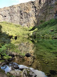 085 Ásbyrgi weerspiegeld in water