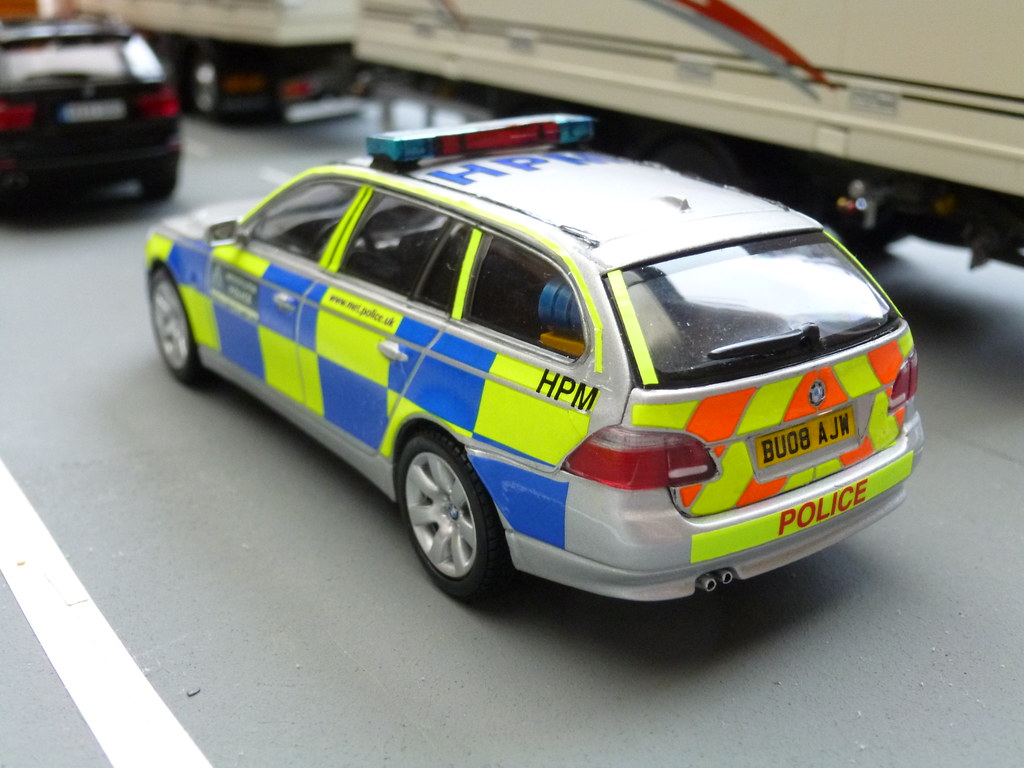 Bmw 5 series touring police 2013 uk wallpapers and hd images car -  1 43 Code 3 Kyosho Bmw 5 Series Touring Met Police Traffic Car Patrolling The